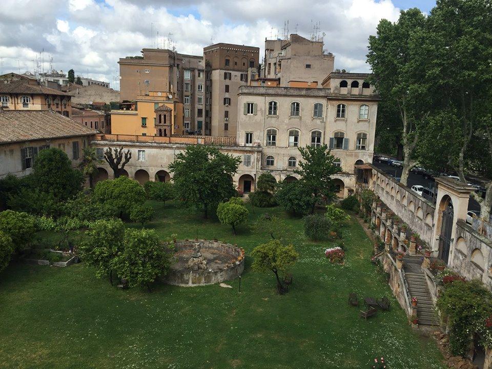 H Eitch Ripa Roma aperitivo in giardino Trastevere  Puntarella Rossa