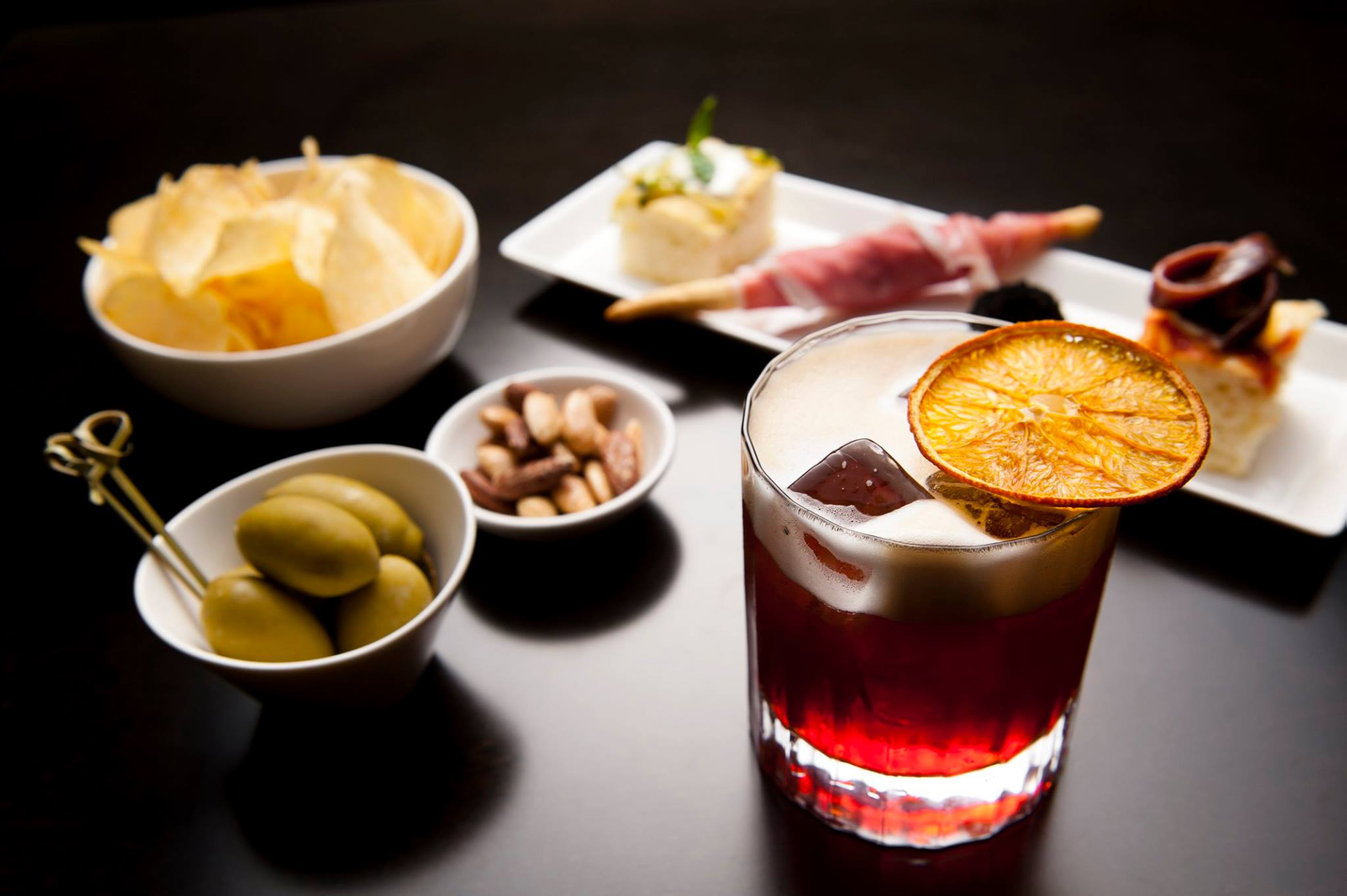 Emporio Armani Caff Bologna aperitivo e Dj set  Puntarella Rossa