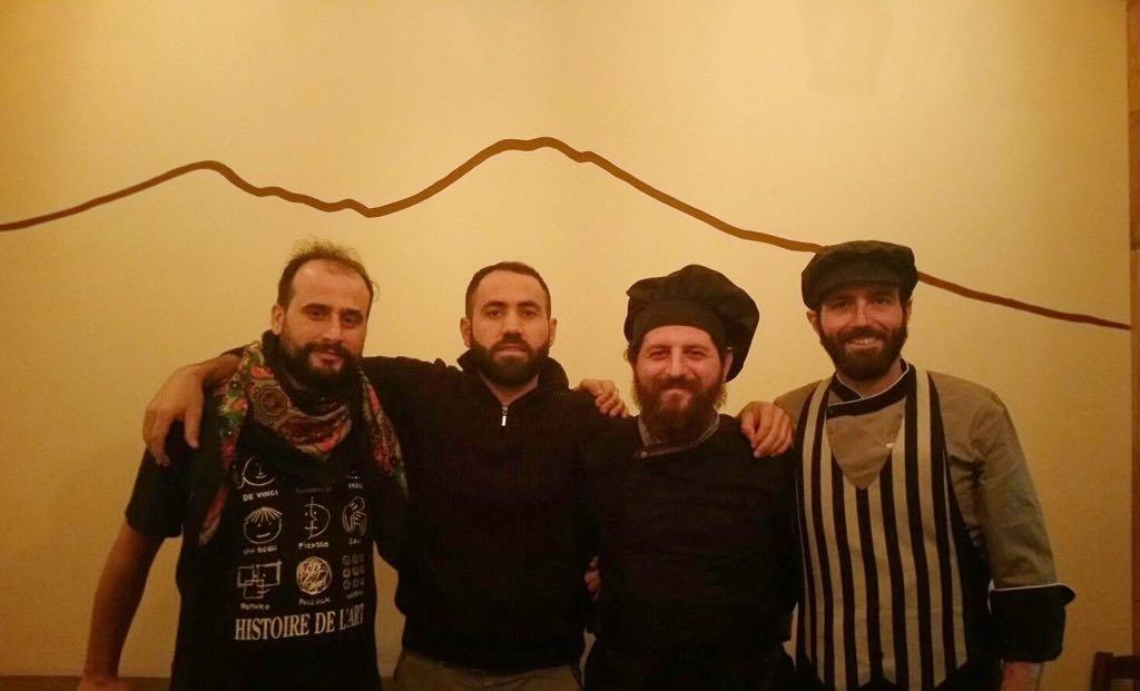 Bazar a Roma la Taverna curdo napoletana curd curd guagli apre a Torpignattara  Puntarella