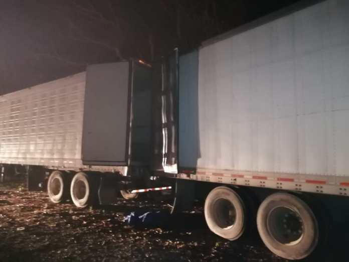 Recuperan trailer robado en El Roble de Puntarenas