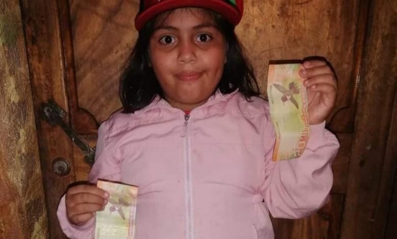 Photo of Niña ganó premio en los Toros de Teletica y lo repartió entre las participantes