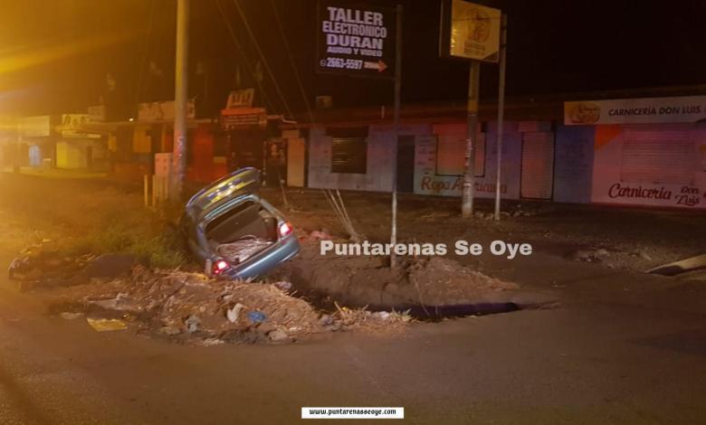 Photo of Tras una persecución detienen a banda roba cables en Puntarenas