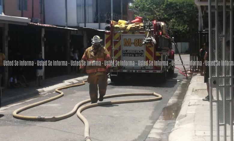 Photo of (FOTOS) Familia en Barranca de Puntarenas lo pierde todo por incendio