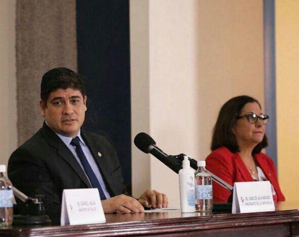 Photo of Ministra de Educación y Presidente hablaron sobre lo que pasará con pruebas de bachillerato, alimentos y las clases