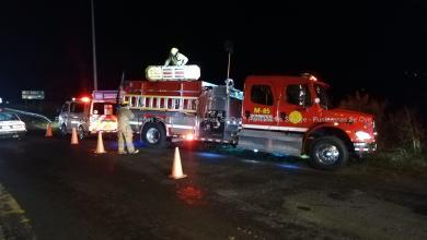 Photo of Vehículo pierde el control y cae al Estero en Caldera