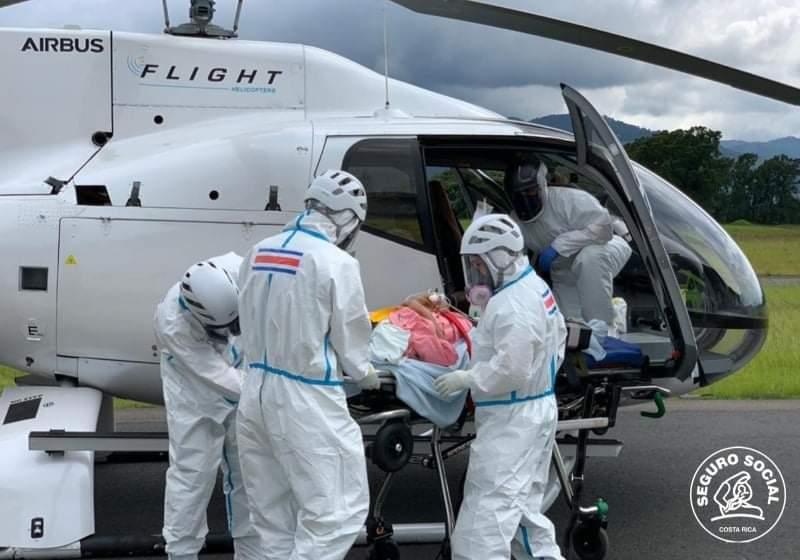 Photo of CCSS realizó hoy dos traslados aéreos urgentes de pacientes covid desde Puntarenas y Nicoya