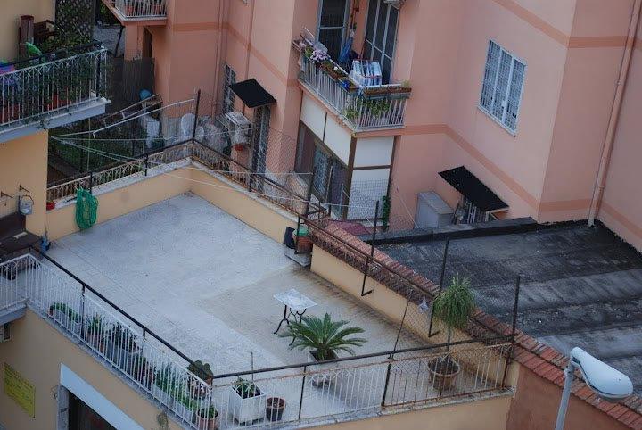 Condominio La Manutenzione Urgente Della Terrazza Ad Uso
