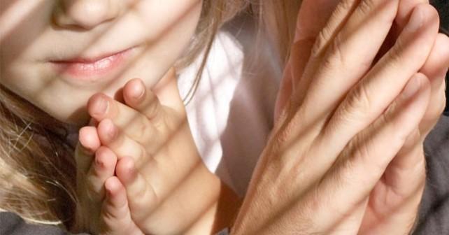Risultati immagini per pregare