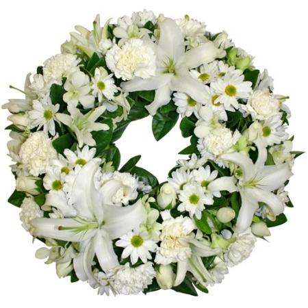 corona funebre bianca con fiori bianchi