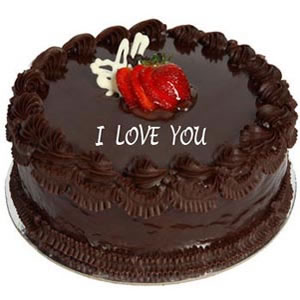 torta al cioccolato con la scritta I love you