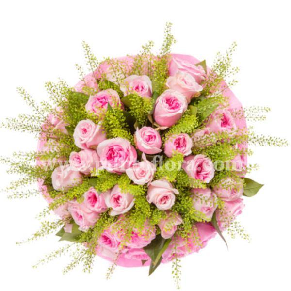 Bouquet con rose rosa e verde decorativo