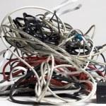 6 maneras de enrollar tus cables de manera prolija