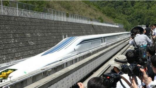 tren japones que viaja a 500 km