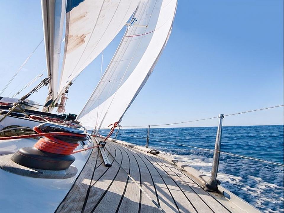 trasporti skipperaggio trasferimenti veleria corsi di vela