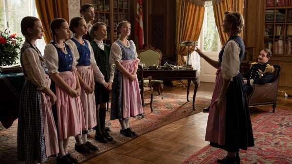 """Stasera in TV: """"La famiglia Von Trapp - Una vita in musica"""" su Rai Premium (canale 25) - Diretto da Ben Verbong, con Matthew Macfadyen e Rosemary Harris"""