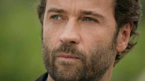 """Stasera in TV: A """"Movie Mag"""" Fabio Volo e """"Obiettivo Mondo"""" - Focus sulla nuova produzione di RaiMovie"""