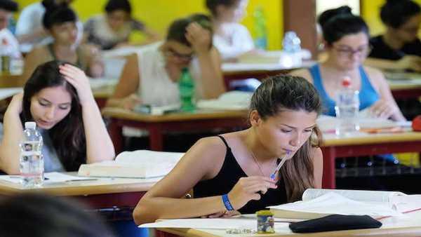 """Oggi in TV:  """"La scuola in tivù - Percorsi di Maturità"""" - Su Rai Scuola (canale 146) e su RaiPlay"""