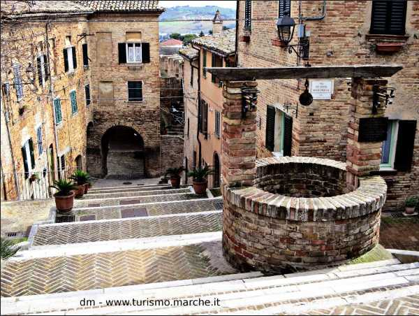 BODIES: Corinaldo, città palcoscenico tra i 7 borghi più belli d'Italia, riparte dalla danza. Tra virtuale e reale, tra Dante e mito greco