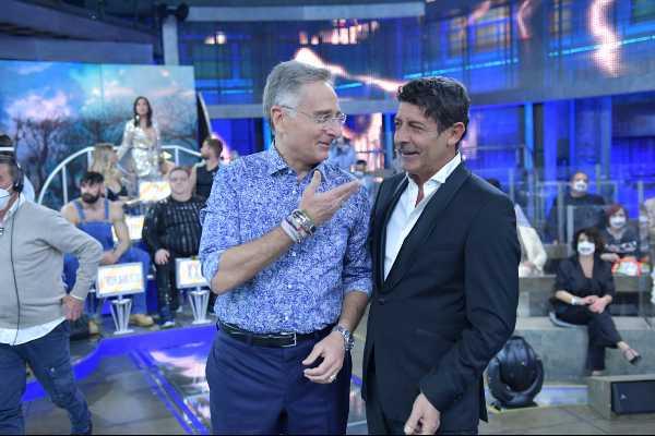 """Stasera in TV: Ad """"AVANTI UN ALTRO! PURE DI SERA"""" ospiti Paola Barale e Giorgio Mastrota"""
