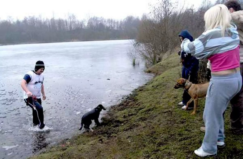 Man rescues his dog from frozen lake