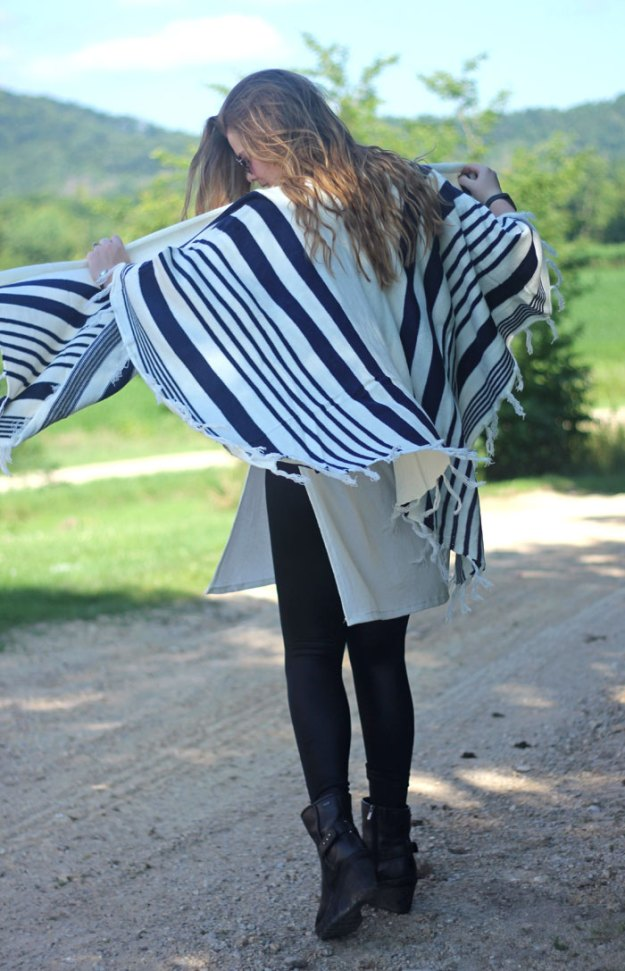 Blanket Cardigan - Fall Preview: Tobi navy and cream blanket cardigan wrap, white sweater tunic, leather leggings | Get ready for fall today! | Puppies & Pretties