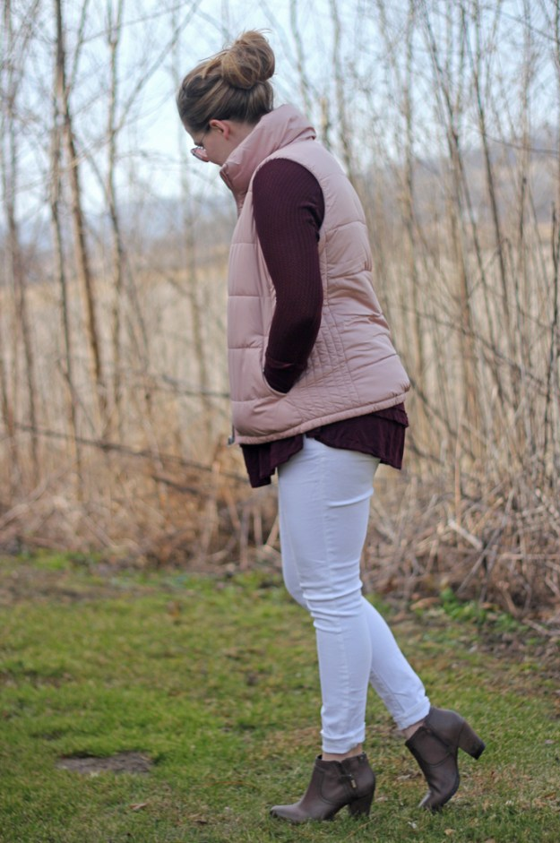 Blush Vest and Maroon Free People Laguna top: Old Navy blush Frost Free vest, maroon Free People Laguna top, Old Navy white jeans, Clarks booties, white Kendra Scott Rayne necklace | Puppies & Pretties
