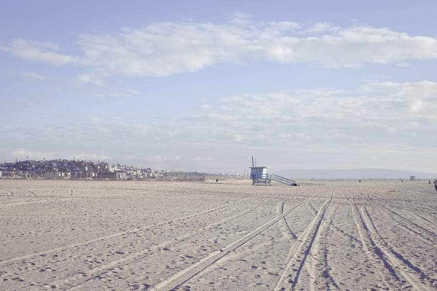 Wide shot of Marina Del Rey beach.