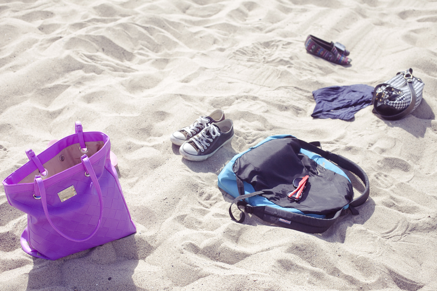 Ren, Ela, and Lilli's belongings at Santa Monica beach.