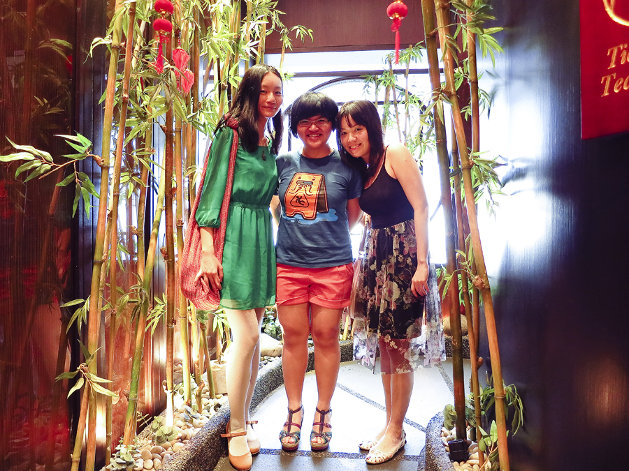 Self-timer selfie of Ren, Puey, and Ade at Tian Fu Tea Room by Si Chuan Dou Hua in Singapore.