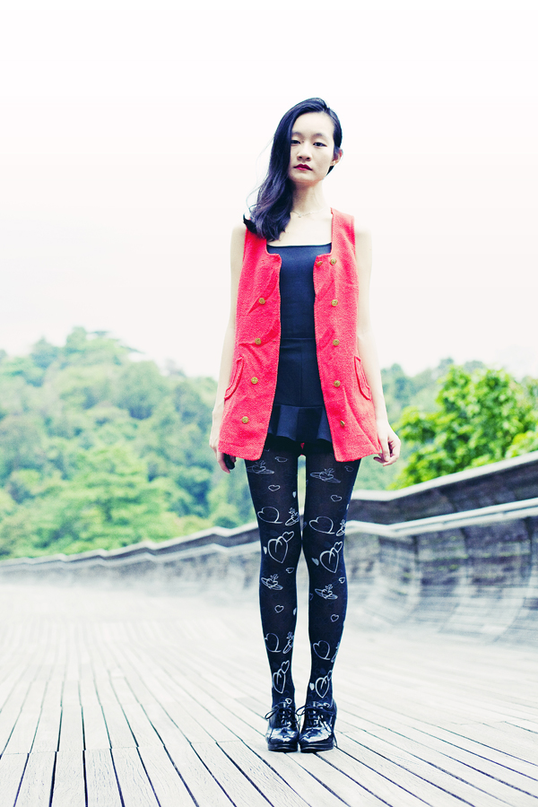ootd black uniqlo bratop, vivienne westwood printed tights, thrifted red vest.