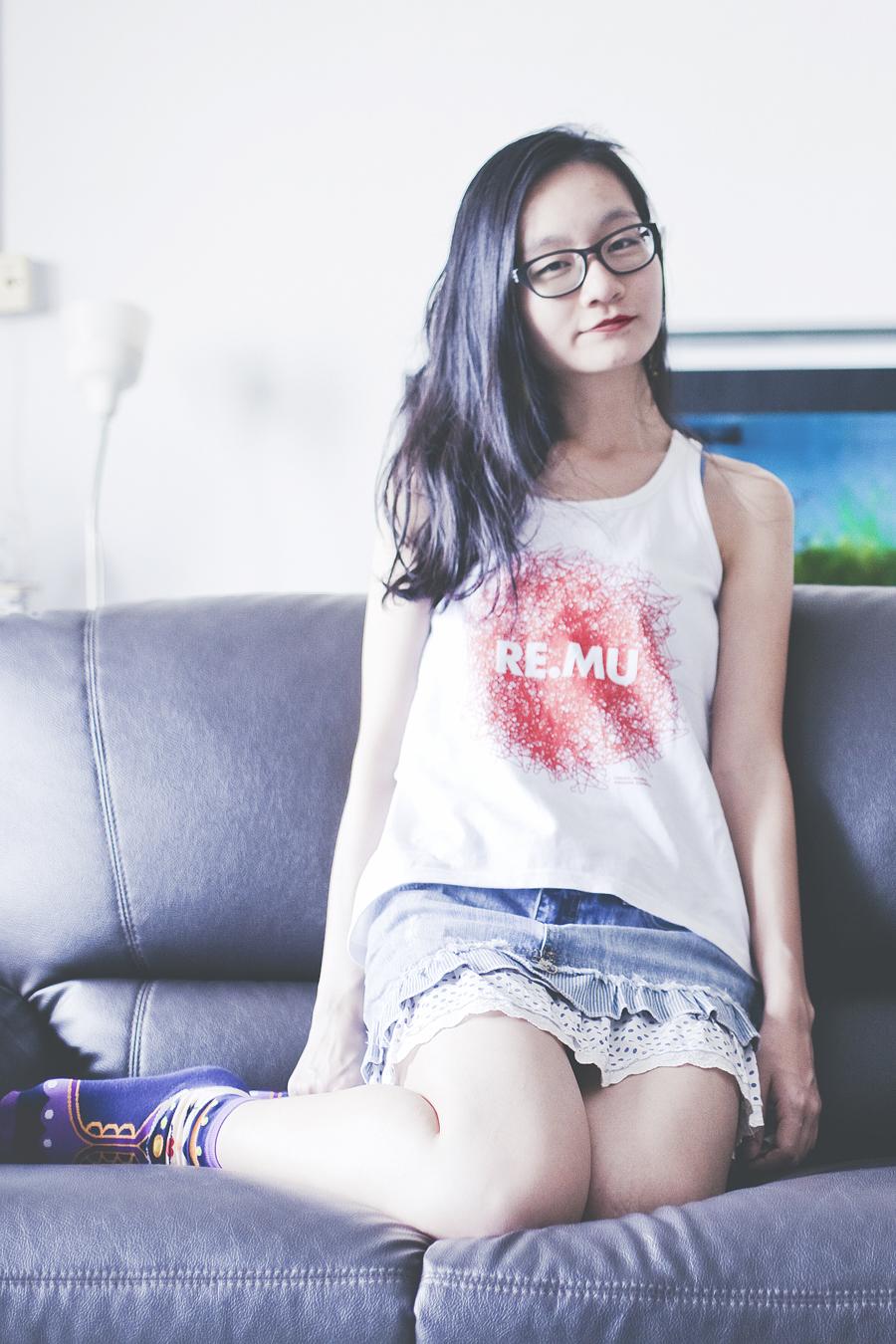 White RE.MU tank top, Fox denim lace skirt, Vivid Color Snow White queen purple socks, Gap black rim glasses