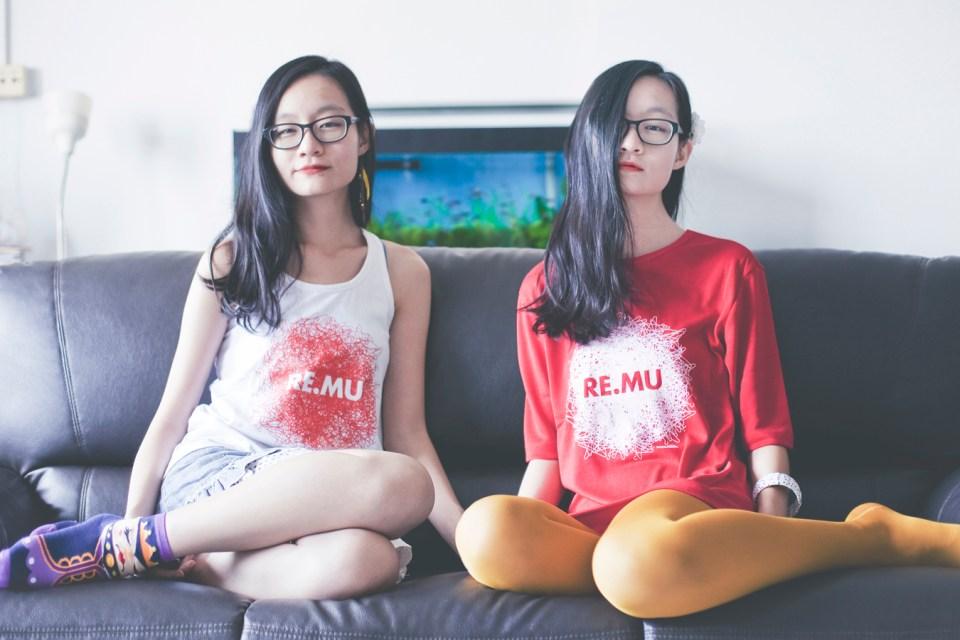 RE.MU tees twins sit