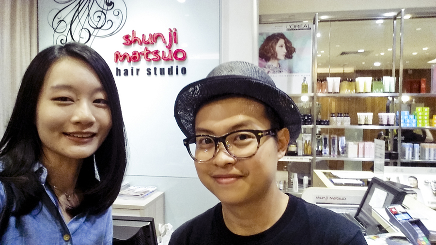Selfie with my new haircut and my hair stylist Justin at Shunji Matsuo hair studio flagship outlet in Ngee Ann City, Singapore.