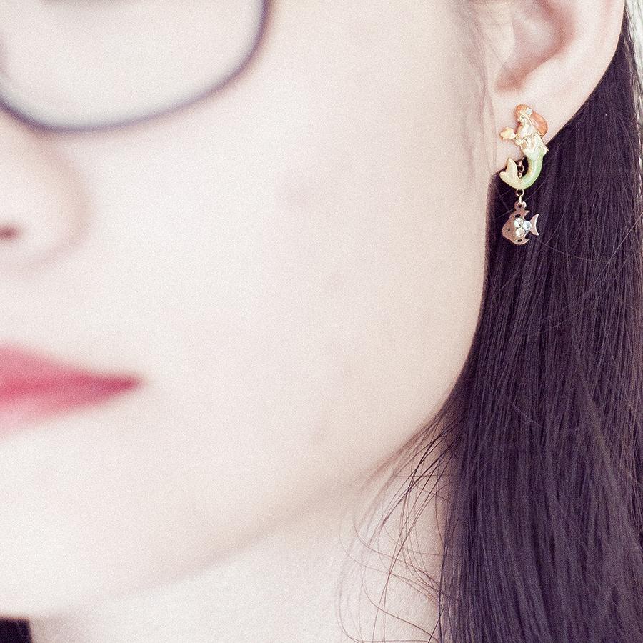 Close up of Osewaya the little mermaid earrings studs from JRunway.