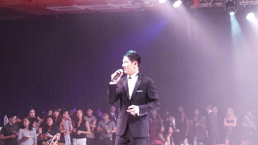 Benedict Goh hosting the FIDé Couturista Fashion Party at Marina Bay Sands. Photo by Shasha.