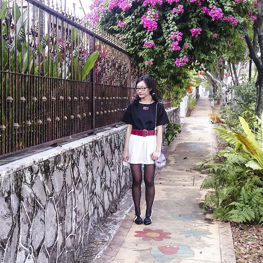 Something Borrowed black & white Colourblocked Shift Dress from Zalora, Red belt from Accessorize,  cat purse from Taobao, black frame glasses from Gap, Something Borrowed Two-Tone black & white Lace-Up Flat Ballerinas from Zalora. Photo by Ottie.