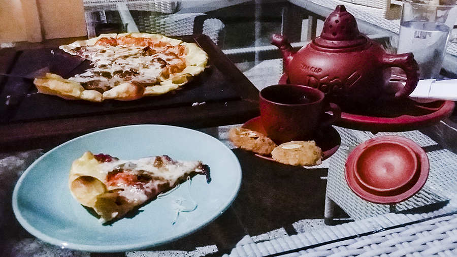 Thin Crust Pizza for dinner and Jasmine Tea at Harris Waterfront Resort, Batam, Indonesia.