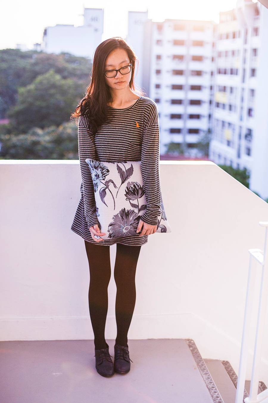 Outfit details: Zara striped tunic dress, Forever 21 black tights, Taobao navy blue oxford heels, Vintage wooden kangaroo pin, Gap black rimmed glasses.