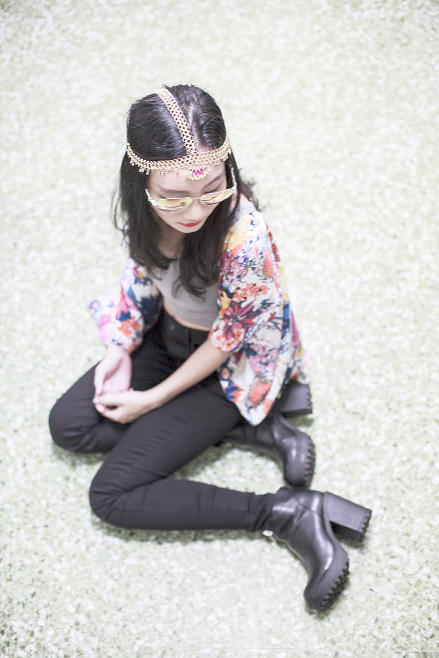 Bohemian Luxe Outfit: DressLink grey tank crop top, DressLink floral batwing cardigan kimono, Uniqlo Ultra Stretch black denim skinny jeans, Zalora Rubi black platform boots, Irresistible Me gold Jade Hair Chain, Guess iridescent sunglasses.