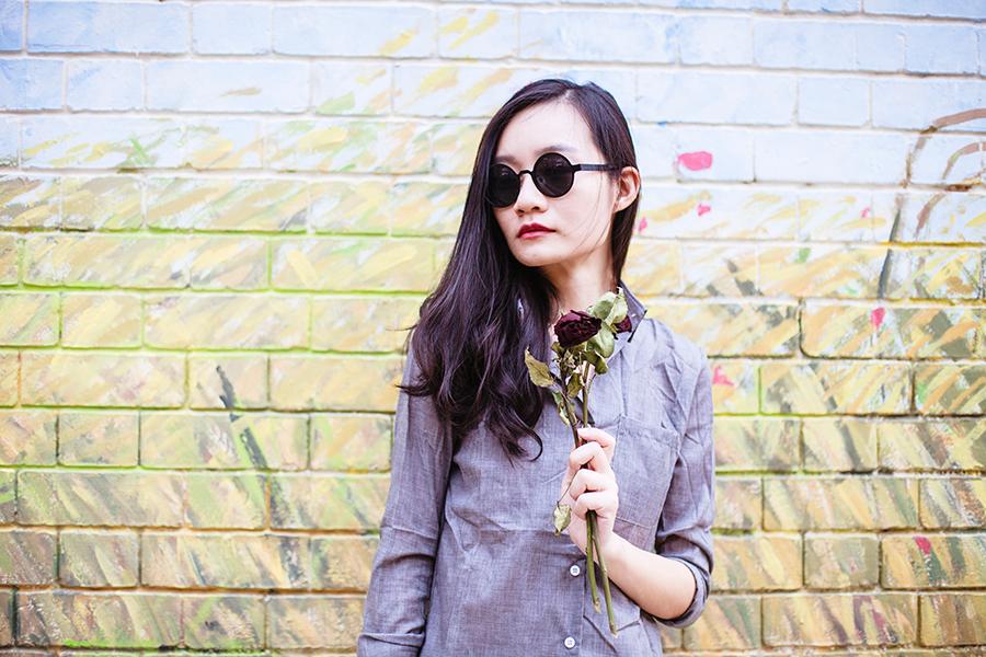 Dressgal grey linen shirt, 24:01 black round sunglasses via Zalora.