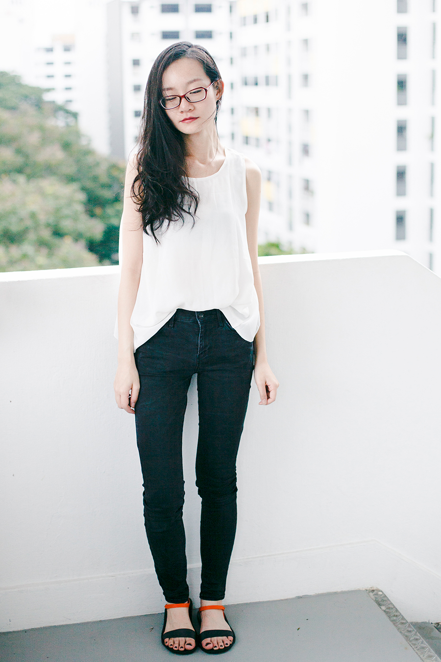 Monochrome outfit: Firmoo.com red prescription glasses, Dresslink backless white chiffon top, Uniqlo black ultra stretch jeans, BlackOut SG custom sandals.
