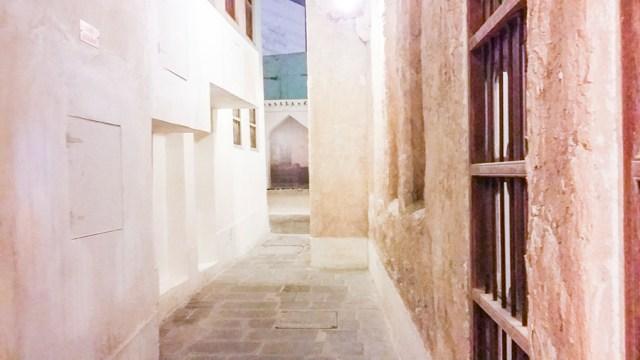 Alley at Souq Waqif (سوق واقف), Doha, Qatar.