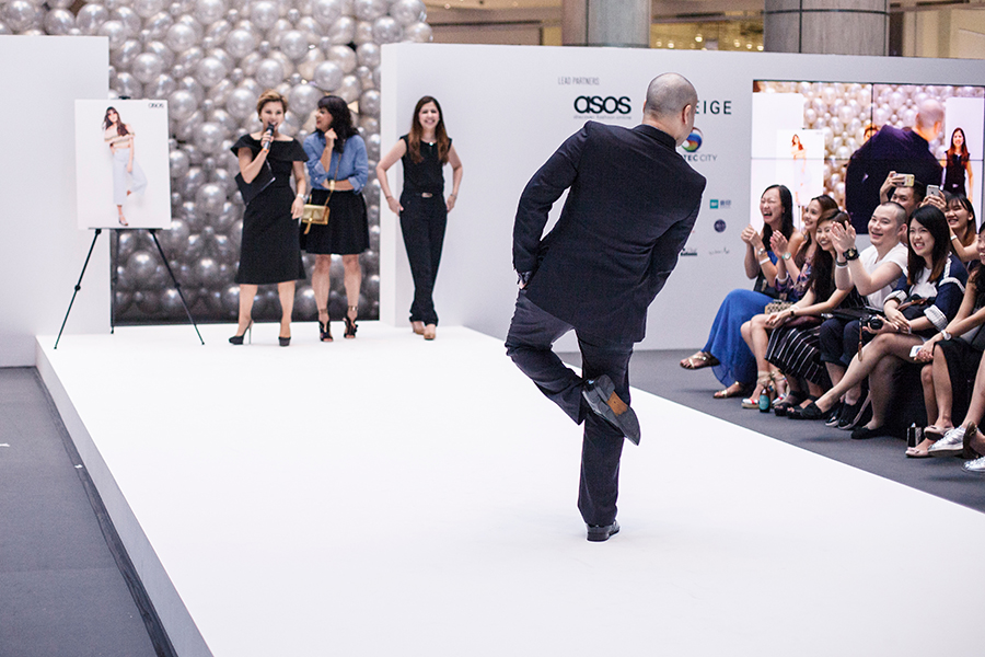 Intermission fun at the runway with unwitting models from the audience at Clozette Style Party 2016 in Suntec City. #ClozetteStyleParty