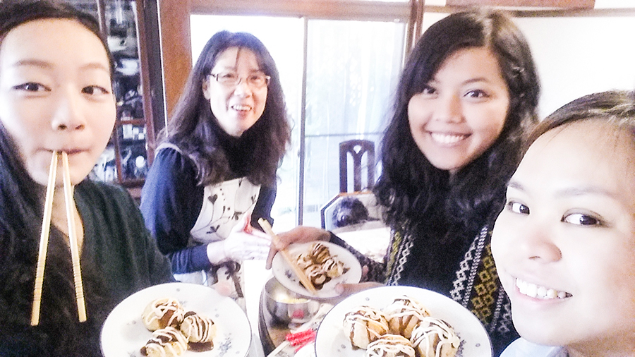Wefies with our homemade takoyaki with Keiko-mama at our Kyoto Airbnb.