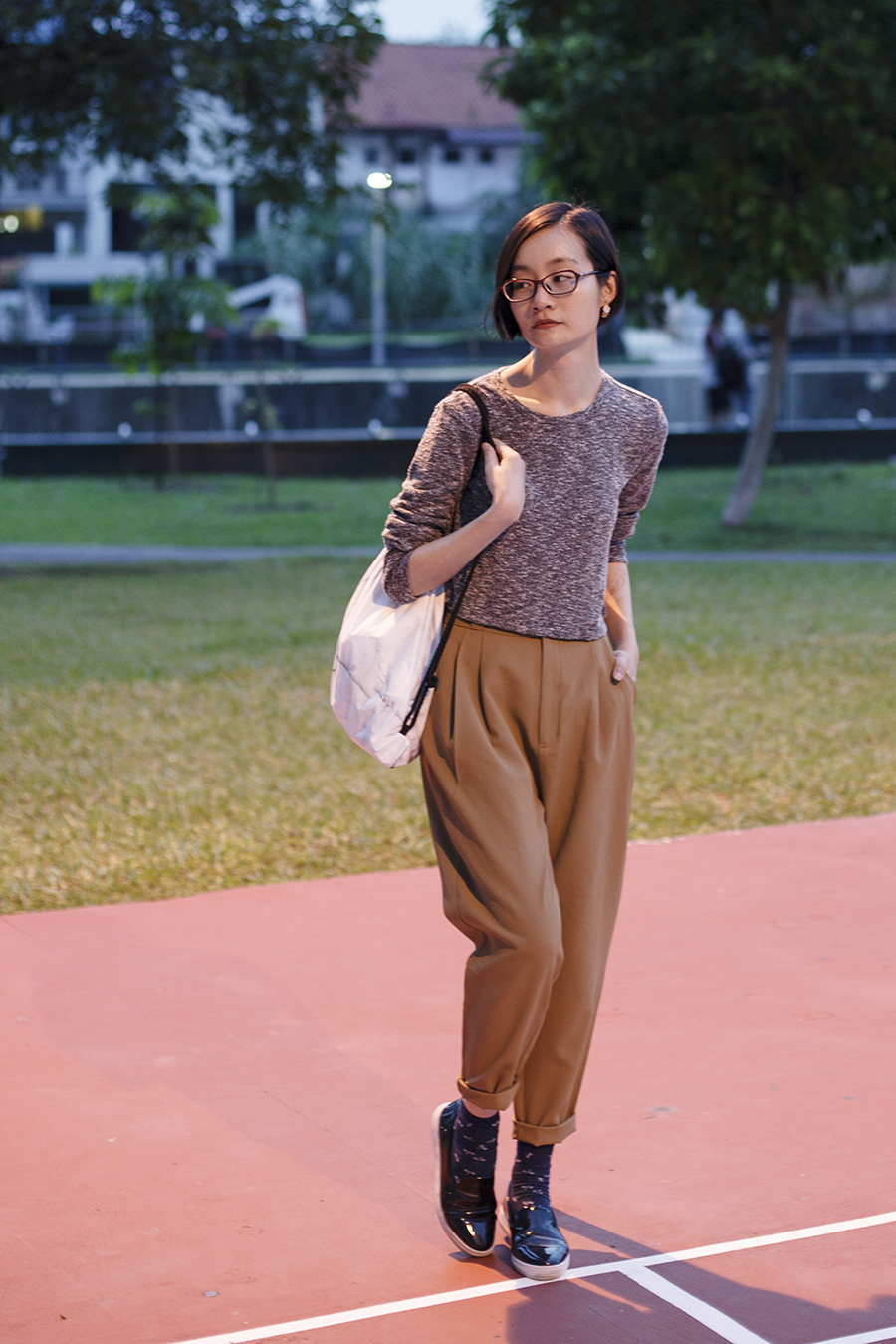 Forever 21 heather grey cropped sweater, GU pants, Zalora shoes, Firmoo glasses, Snupped drawstring bag.
