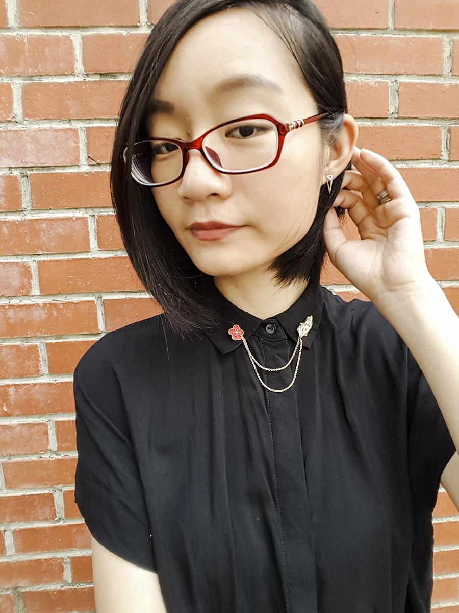 Work outfit: Mango flowy shirt, Dresslily sakura kitty collar pins, Firmoo glasses.
