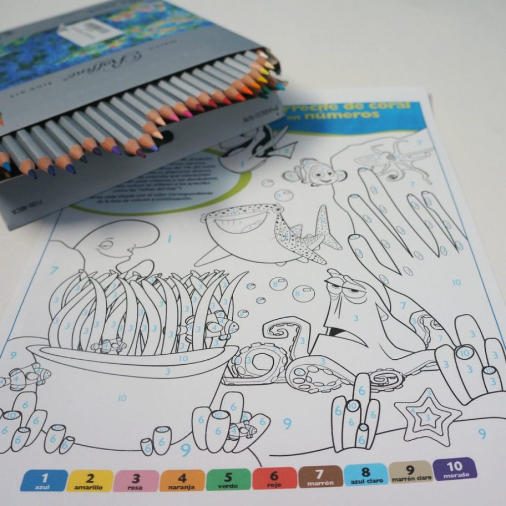 DisneyPixar Finding Dory Printable Coloring Sheet in Spanish