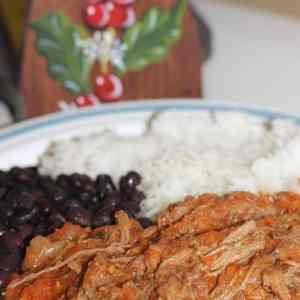 Costa Rican-Style Shredded Beef with Red Sauce (Carne en Salsa)