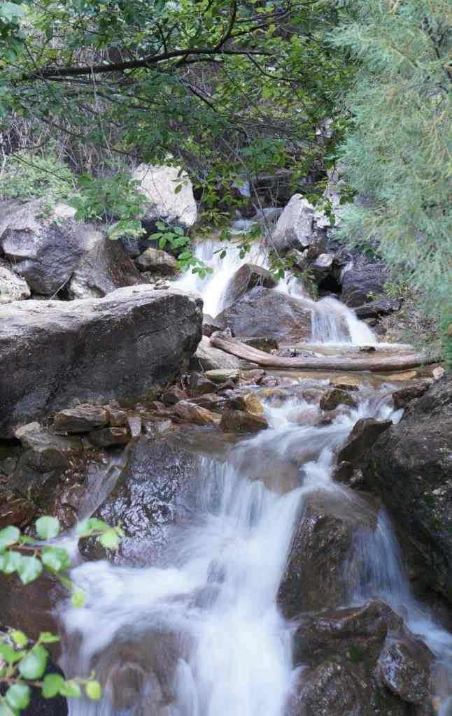 stream at hanging lake trail