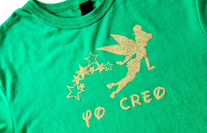 This adorable DIY Tinker Bell Shirt in Spanish is perfect for Tinker Bell fans, trips to Disneyland and bilingual families of all shapes and sizes!